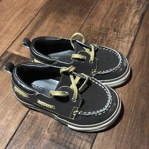 Toddler boys Gap boat shoes